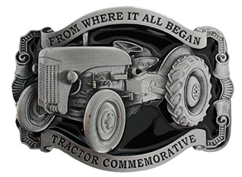 From Where It All Began (Traktor) Gürtelschnalle in einer meiner Präsentationsschachteln. (Traktor Sammlerstücke)
