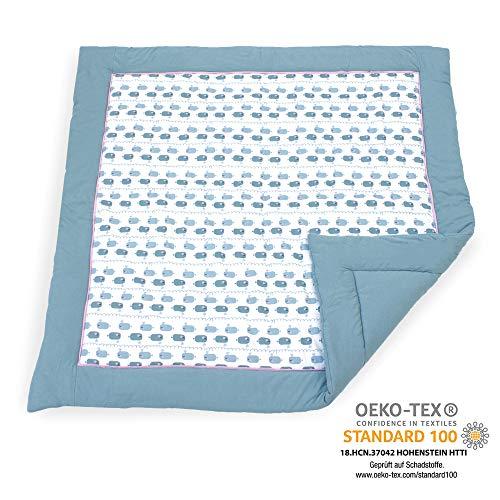 Emma & Noah Baby Krabbeldecke geprüft nach Oeko-Tex Standard 100, weich gepolstert aus 100% Baumwolle, 120x120 cm groß, Wal Motiv, ideal auch als Babydecke, Spieldecke und Laufgittereinlage (Junge)