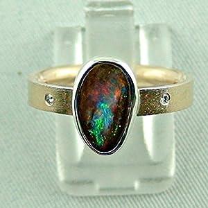 Goldring mit spitzen Boulder Opal und Diamanten
