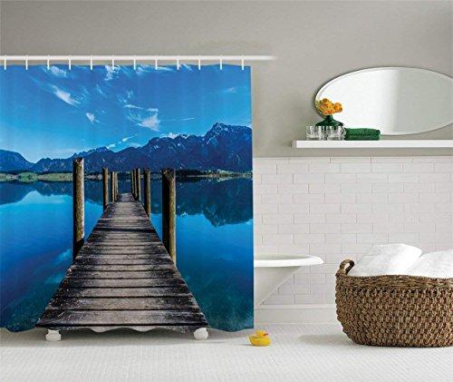 AdaCrazy Lake Mountain klarer hölzerner Pier-Steg auf Himmel-Reflexionsbild Polyester-Gewebe-Badezimmer-Duschvorhang eingestellt mit Haken Marine-Blau-Ecru- -