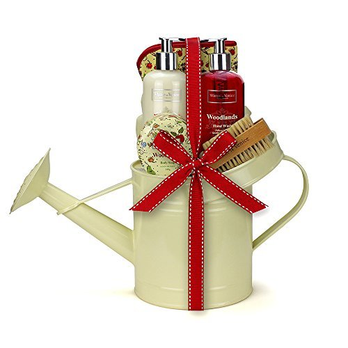 winter-in-venice-woodlands-watering-can-luxurious-toiletries-infused-with-natural-fruit-and-plant-ex