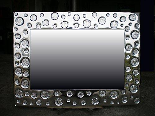 pois-specchiera-cesellata-a-mano-in-alluminio-supporto-in-compensato-marino-repellente-allumidita
