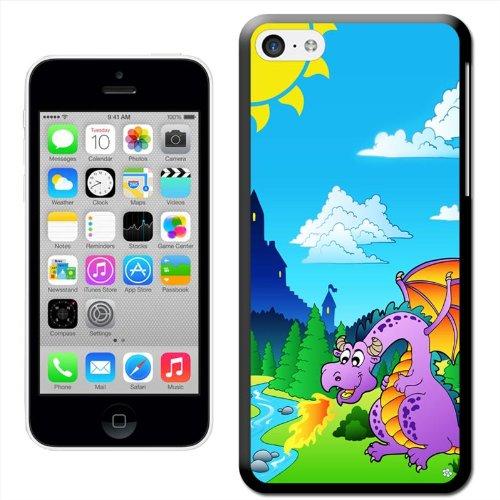 Fancy A Snuggle 'Happy Baby Dragon Schraffur vom Ei' Hard Case Clip On Back Cover für Apple iPhone 5C Dragon With Castle Backdrop