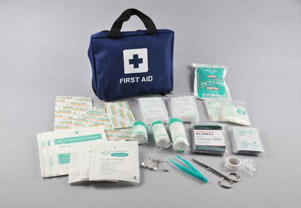 99pcs Supreme First Aid Kit Bag - Inc. Eye Wash, Crepe, Ice Pack, Thermal Blanket - Home, Office, Vehicle, Workplace… 3