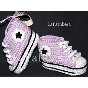 Babyschuhe häkeln, Unisex. Stil, Converse All Star. Farbe lila, aus 100% Baumwolle, 4 Größen 0-12 Monate. handgefertigt in Spanien. Turnschuh gehäkelt gestrickt,