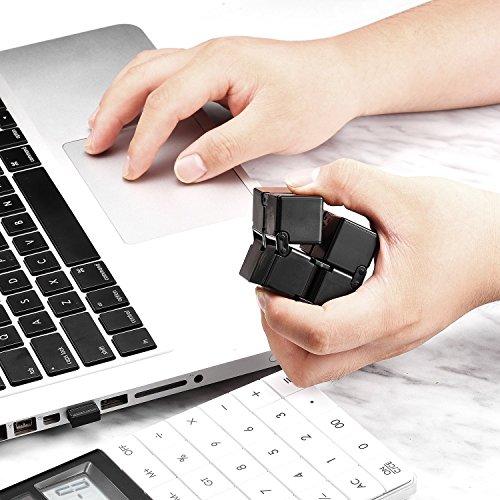 Funxim Infinity Cube Toy per Adulti e Bambini, Nuova Versione Fidget Finger Toy Sollievo dallo Stress e ansia, Killing Time Fidget Toys Cubo Infinito per Il Personale dell'ufficio (Nero) - 4