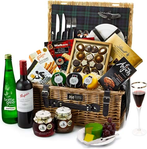 Hampstead Fitted Picnic Hamper With Red Wine