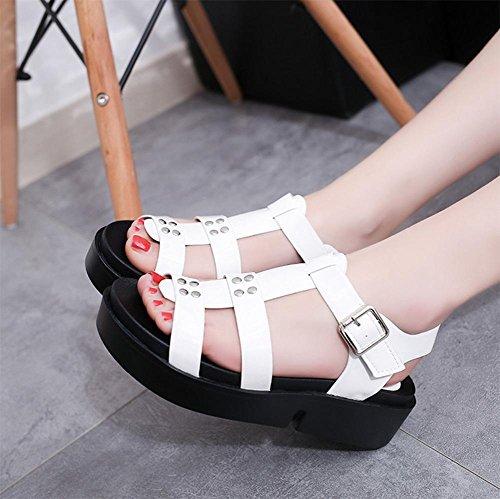 Wilde schwere Boden offene Sandalen weibliche Studenten Xia