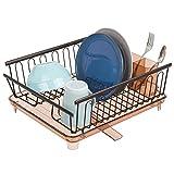 mDesign Set da 2 Scolapiatti da appoggio – Scolapiatti in plastica e metallo – Con pratico sgocciolatoio e scarico girevole per l'acqua – Ampio e capiente – bronzo/sabbia