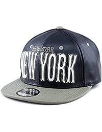 Casquette en faux cuir de croco à logo brodé de New-York. Produit offert par NYfashion101.