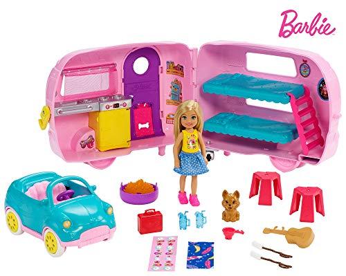 Mattel Barbie Chelsea-Muñeca y su caravana, con perrito y accesorios FXG90, multicolor
