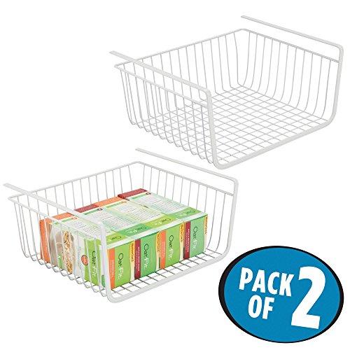 mDesign 2er-Set Hängekorb aus rostfreiem Metall - großer Aufbewahrungskorb für die Küche und Vorratskammer - robuster Drahtkorb für Lebensmittel und Küchenutensilien - weiß