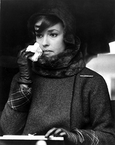 Jeanne Moreau Candid Portrait in Black Linen Long Sleeve Folded Top Twee Coat and Black Scarf Photo Print (60,96 x 76,20 cm) - Candid Top