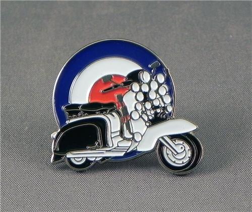 metal-enamel-pin-badge-brooch-scooter-with-lights-mod-target-roundel