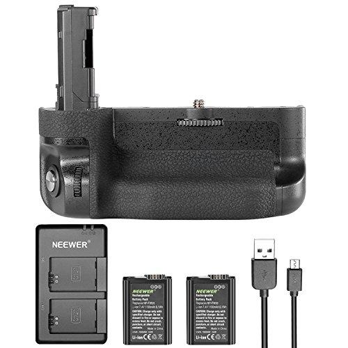 Galleria fotografica Neewer kit di batteria impugnatura verticale per Sony A7II A7R II, include vg-c2em replacement battery grip (senza telecomando), 2pezzi 1100mAh FW50sostitutiva Li-Ion batterie e caricatore doppio