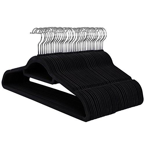 SONGMICS Kleiderbügel 50 Stück 0,6 cm Dick, Anzugbügel aus Samt mit Rutschfeste Oberfläche, mit Zwei Einkerbungen, 360° Drehbarer Haken, Dünn, Schwarz CRF50B