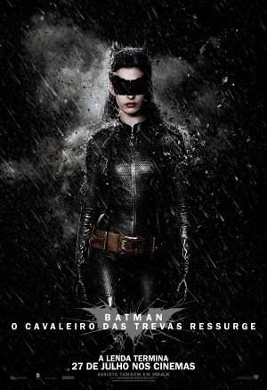 The Dark Knight Rises - Catwoman - Brazilian Movie Wall Poster Print - 43cm x 61cm / 17 Inches x 24 Inches A2 Batman (Auf Dark Die Rises Catwoman, The Knight)