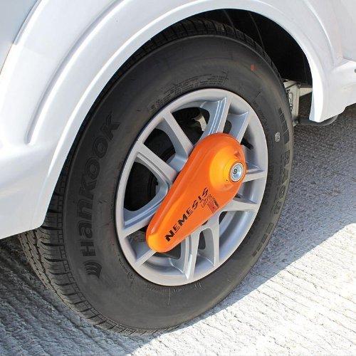 Preisvergleich Produktbild Nemesis Ultra Radkralle Parkkralle Reifenkralle Wegfahrsperre Wohnwagen Anhängerschloss Räderschloss Reifenschloss Felgenschloss