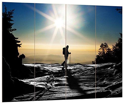 Pixxprint Ski Langläufer auf Berg schwarz/weiß , MDF-Holzbild im Bretterlook Format: 80x60cm, Wanddekoration