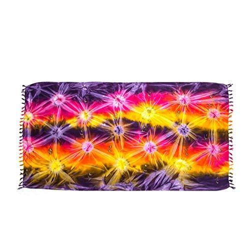 ManuMar Damen Sarong | Pareo Strandtuch | Leichtes Wickeltuch mit Fransen-Quasten (L: 115 x 225 cm, Lila Rot Pink Gelbornamente) (Sport-ornamente, Weihnachten)