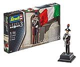 Revell Modellbausatz Figuren 1:16 - Ehrengarde Italienische Carabinieri / Italian Carabiniere im Maßstab 1:16, Level 3, originalgetreue Nachbildung mit Vielen Details, 02802