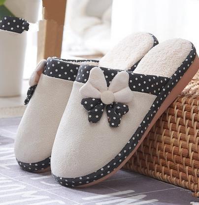 Les femmes tombent et pantoufles de coton mignon hiver intérieur chaud avec un demi-paquet de, Accueil anti - pantoufles de dérapage pour ménage beige