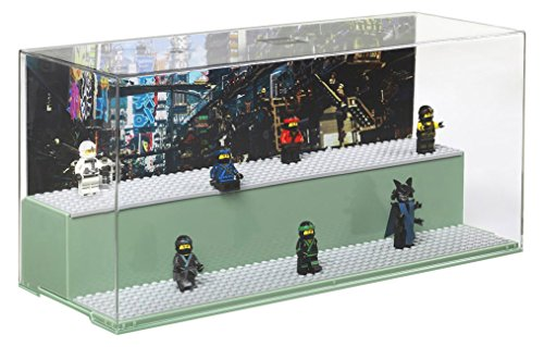 piel- und Schaukasten, Spaß mit LEGO NINJAGO Kreationen, die du hier präsentieren kannst, mit 6 LEGO Platten und 2 Kulissen, transparent/grün ()