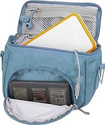 Orzly Umhängetasche in hoher Qualität für Nintendo DS (geeignet für alle DS-Versionen mit klappbarem Display:DS / DS Lite / 3DS / 3DS XL / New 3DS / New 3DS XL / 2DS XL)-tragbare Tasche mit Tragegriff und verstellbarem Schultergurt - Befestigung für Gürtel - blau