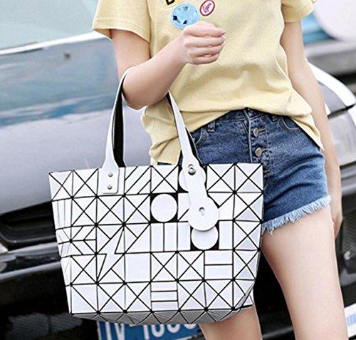 Donne Opaco Triangolare Lingge 7 * 8 Cucitura Diagonale Borsa Sacchetto Di Spalla Modo Personalità Tendenza Semplice Piegatura Sacchetto White
