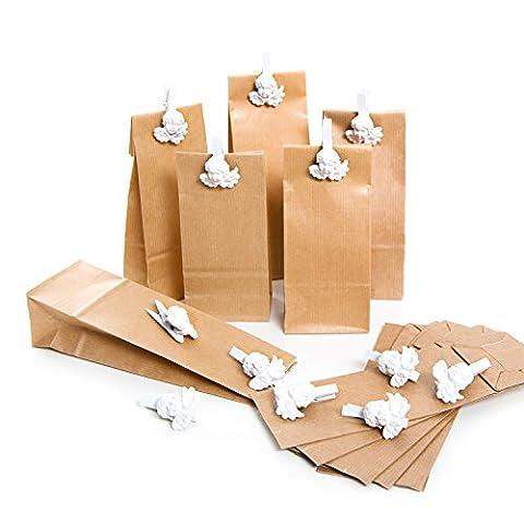Lot de 12Marron Papier de cadeau de Noël de sacs (7x 4x 20,5cm) et 12petites Ange Blanc Ornement de décoration de pinces en bois (4,5cm) comme cadeau emballage pour Bonbons & Co.