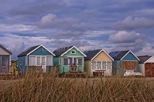 eine 45,7 x 30,5 cm Fotografieren Hochwertiger Fotodruck der Strandhütten Mudeford Strand bei hengistbury Kopf in Christchurch Bournemouth England Dorset UK Landschaft Foto Farbe Bild Art Print