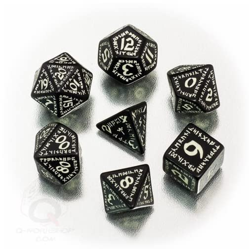 Q-Workshop-QWORUN19-Brettspiel-Runic-glow-in-the-dark-Dice-Set-schwarz