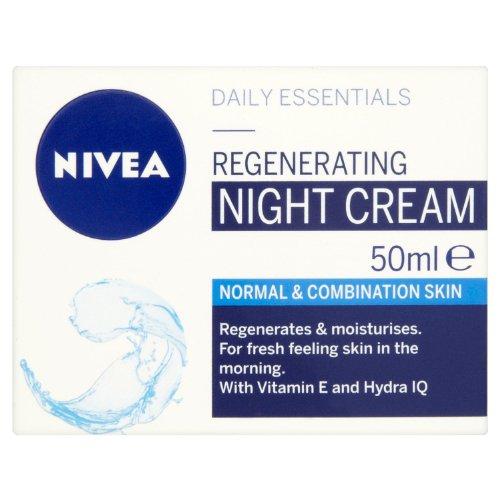 Nivea Visage Daily Essentials Regenerierende Nachtcreme für normale & Kombination