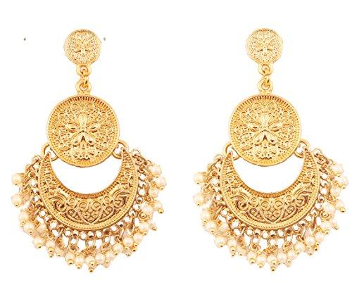 Touchstone orecchini finti tradizionali finemente martellati e sbalzati con incantevoli look pendenti chand baali a mezza luna con design di gioielli per donna gold-1