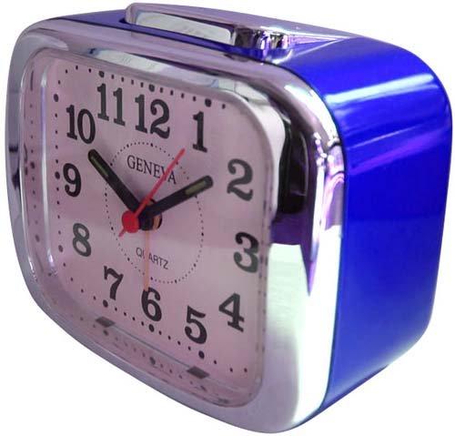 Technoline Quarzwecker Modell XL, blau, analog, nachtleuchtende Zeiger