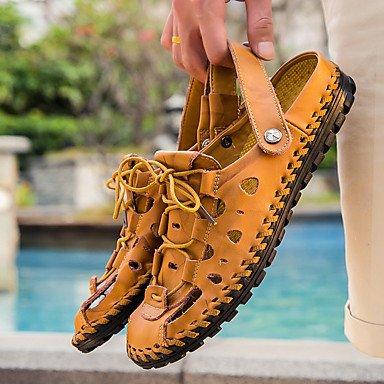 Los hombres sandalias Primavera Verano Otoño confort informal Vestimenta exterior fabricada con cuero marrón oscuro Negro zapatos anterior US10 / EU43 / UK9 / CN44