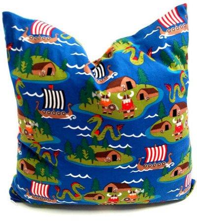 Preisvergleich Produktbild Fitzibiz Kinderkissenbezug Lutz, Öko-Teddy, Wikingerdruck, weiß, bunt, 40x60cm auch in anderen Größen verfügbar
