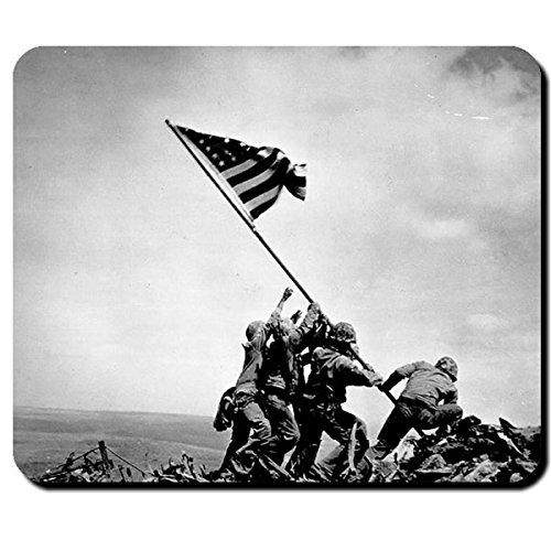 Raising The Flag on Iwo Jima amreika