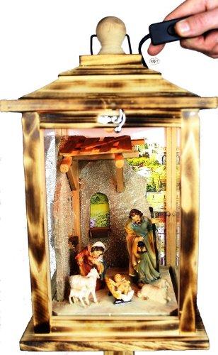 Weihnachtskrippe, mit Figuren, Laterne Holz, als Glasvitrine mit Beleuchtung, mit Beleuchtung 220V, Laterne aus Holz KL-MFOS-GOLD aus Holz NEU: MIT SCHNEE + Gold-Lack lackiert