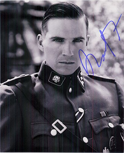 signed-fiennes-ralph-schindlers-list-bw-8x10-photo-autographed