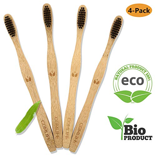 COMLIFE Cepillos de Dientes de Bambú 4PCS, Vegano Ecológico Biodegradable, 100{8b0a70904c09c93a833929a5a0494c3badd29adebf0a4df979d48ffaa97beb4f} Libre de BPA, Cerdas Suaves Negras de Carbon de Bambú con Embalaje Reciclable - Familia Set de 4