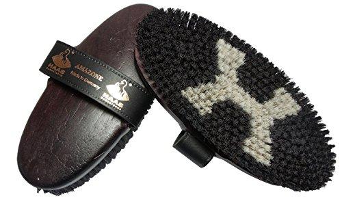 Haas Kardätsche für Pferde - Amazone - mit Roßhaar und längerem Borstenrand dunkel braun lackiert mit Lederhandschlaufe Größe 200x85