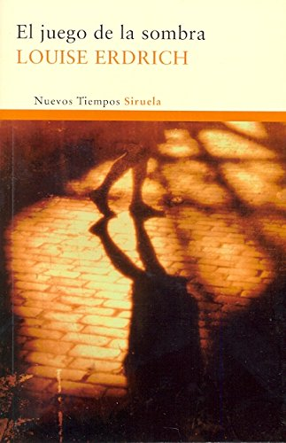 El juego de la sombra / The Shadow play Cover Image