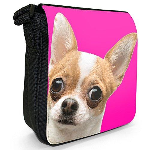 Total niedlicher Chihuahua Nahaufnahme Kleine Schultertasche aus schwarzem Canvas Chihuahua Hintergrund Pink