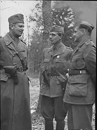 vintage-photo-of-battalion-chief-captain-hfalkenberg-company-commander-captain-cc-vogel-and-lieutena