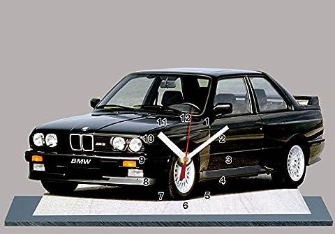 AUTO BMW M3 E30 NOIR EN HORLOGE MINIATURE SUR SOCLE 04