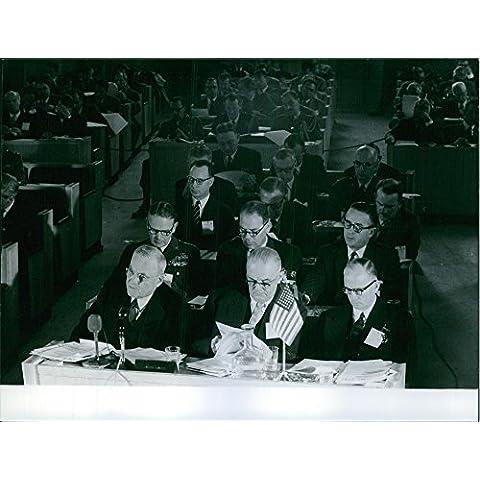 Vintage Foto Di Una Conferenza con John