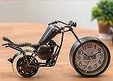 Nouveauté Horloge de bureau Vintage Locomotive, Retro Silent Moto Décoration Réveil Ne Vieux Fer Décoration Étagère Horloge, Enfants Adultes Étudiants Garçons Cadeaux D'anniversaire (27 * 16 * 12cm) ( Style : UNE )