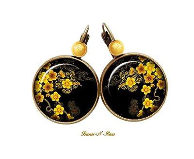 Boucles d'oreilles * sakura * cabochon fleurs jaunes noirs japon dormeuses