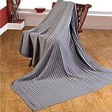 Homescapes kuschelweiche Heimdecke grau mit Zopfmuster 170 x 130 cm 100% reine Baumwolle Sofaüberwurf Wohndecke